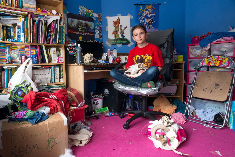 Portrait de Seren dans sa chambre